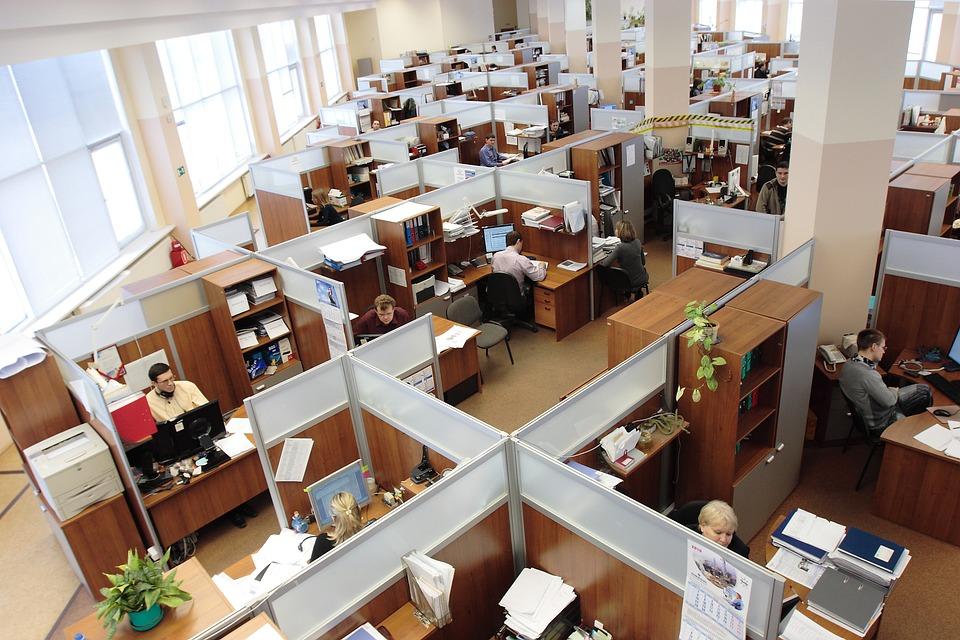 open space bondé russe, bruit au travail