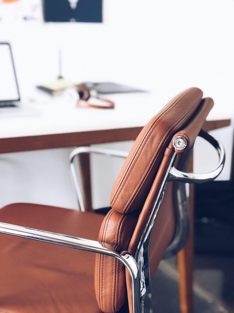 Louer un bureau en centre d'affaires à Paris : un mobilier de qualité