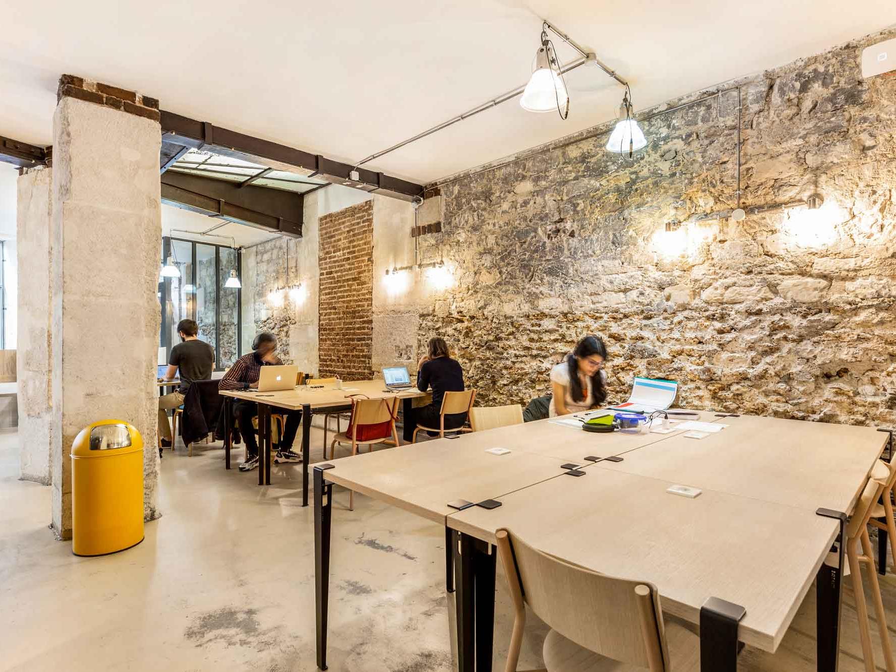 © La permanence - Un espace de travail gratuit à Paris