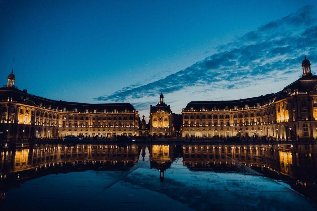 Bureaux à Bordeaux (c) Juan Di Nella - Unsplash