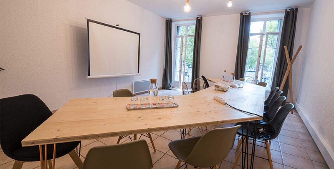 charles-working-location-de-salle-de-reunion-a-salon-de-provence-4